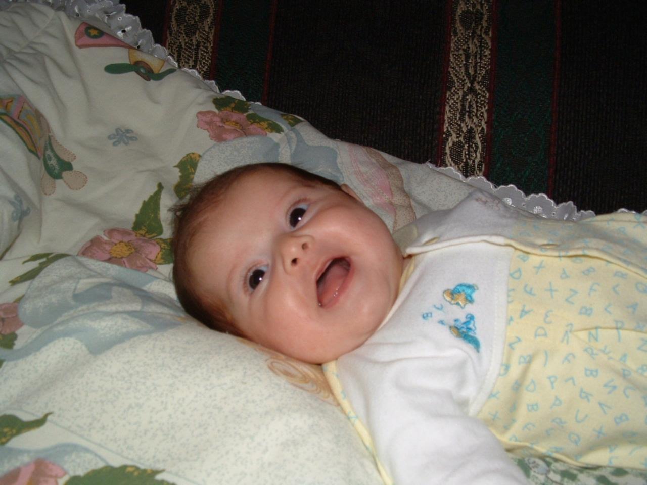 Фото ребенка 1 неделя девочка
