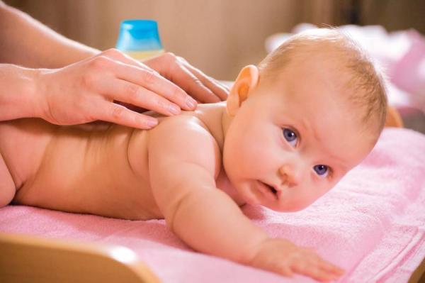 Физическое развитие ребенка в 2 месяца