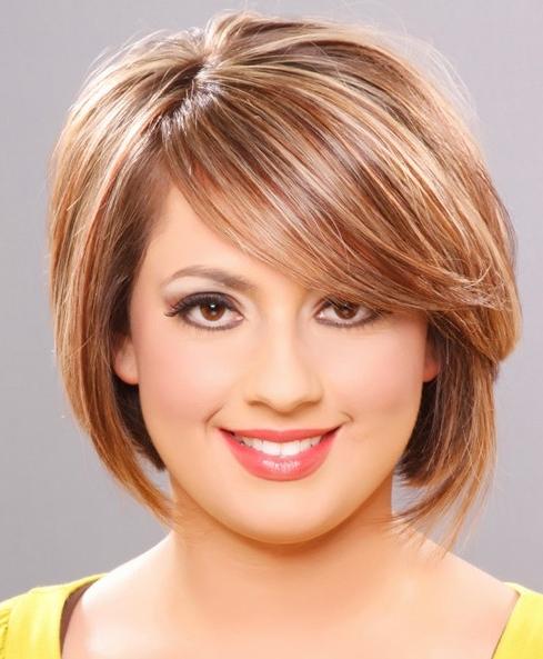 стрижки на средние волосы фото для круглого лица